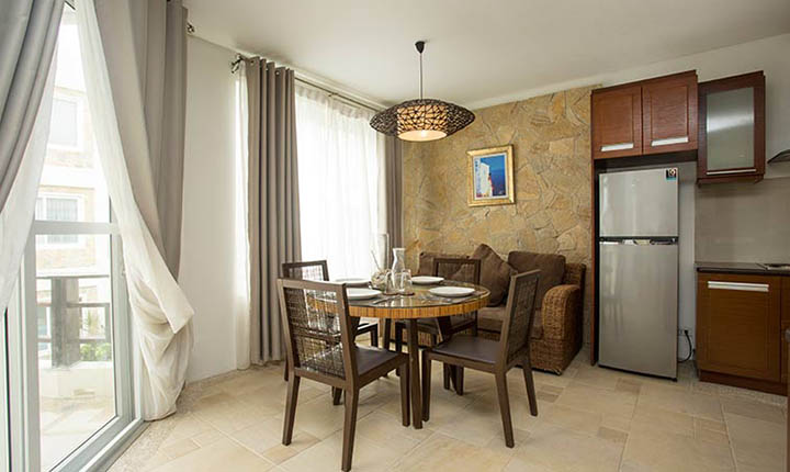 Premier One Bedroom Suite with Jacuzzi