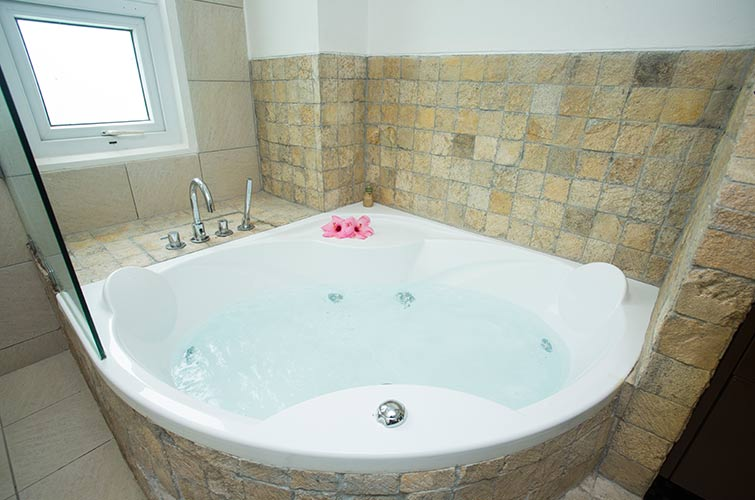 Premier One Bedroom Suite with Jacuzzi