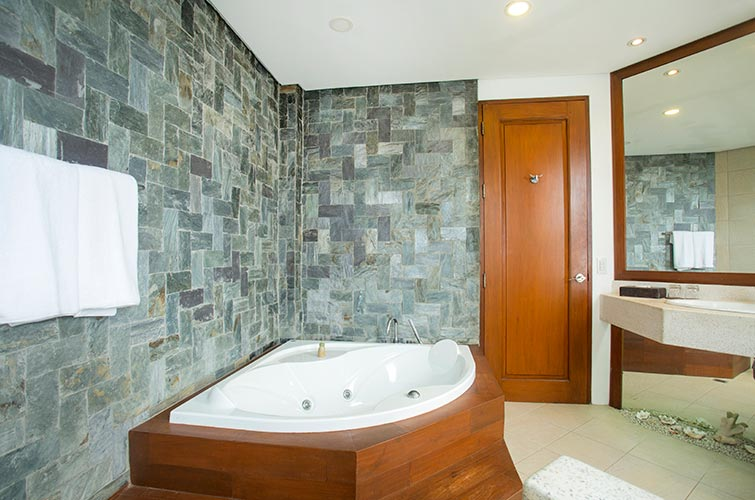 Premier 2BR Sky Suite with Pool